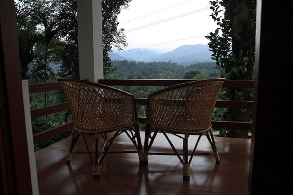 dhanagiri-balcony