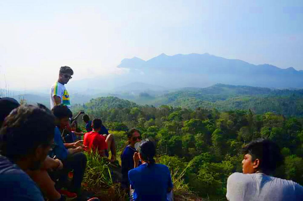 dhanagiri-trekking